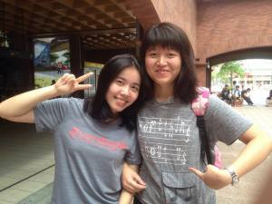 Eva and Apple (L>R); happy because they both wore grey shirts and black leggings for hiking